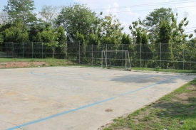 fasilitas-lap-futsal-2_20141201_1609357504