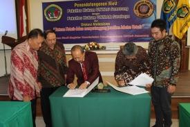 MOU FH UNTAG Semarang dengan FH UNNAR Surabaya